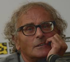 Curare con il cinema di I. Senatore – C.S.E (2002)  : Commento di Antonio Capuano