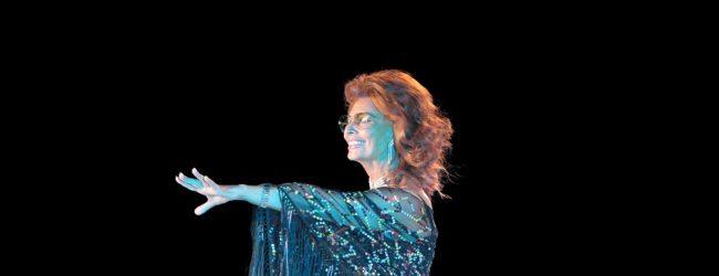 """Sofia Loren:  dall'Oscar con La Ciociara sessant'anni fa a """"La vita davanti a sé"""" da domani su Netflix"""