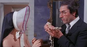 All'onorevole piacciono le donne nonostante le apparenze e purchè la nazione non lo sappia di Lucio Fulci – Italia – 1971- Durata 108' – V.M 14
